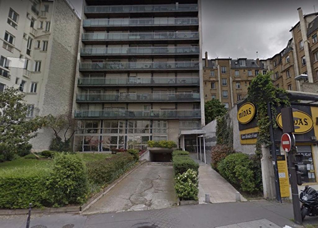 Place de parking quai Louis Blériot 75016 PARIS